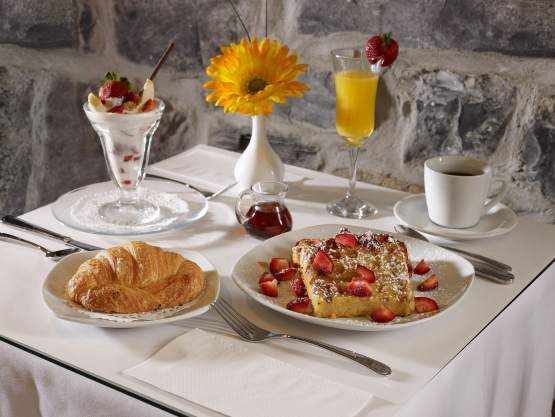 breakfast-hotel-dejeuner